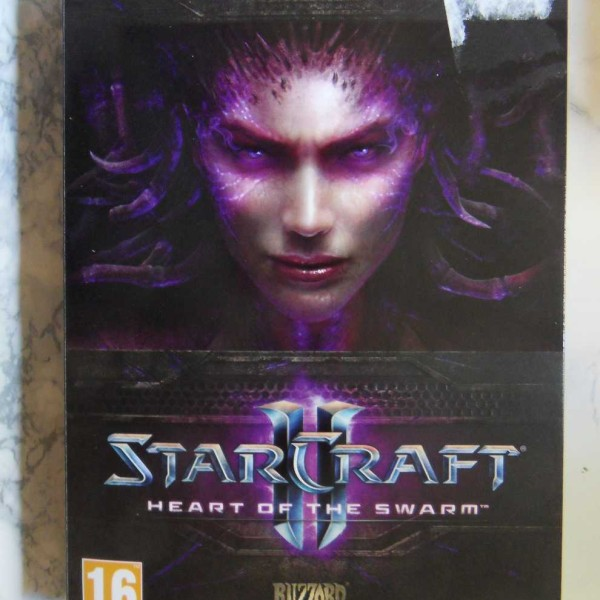 StarCraft II (2) Heart of the Swarm – Expansion Set (PC) (UUSI MUOVEISSA)